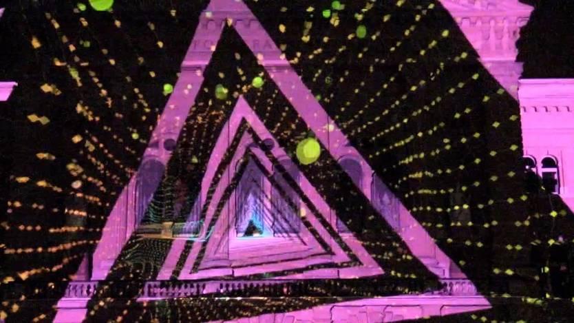 Psychedelische Lichtshow: So cool sieht das Bundeshaus zurzeit aus ...