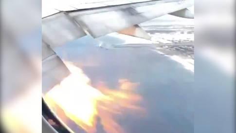 Flugzeug mit brennendem Triebwerk muss in Los Angeles notlanden