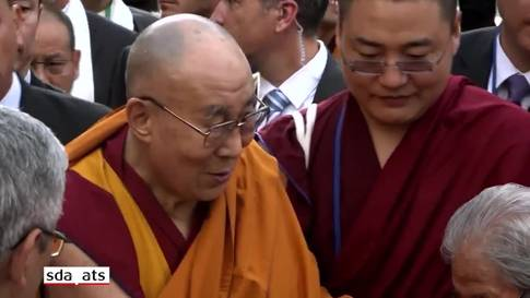Dalai Lama besucht Tibet-Institut Rikon