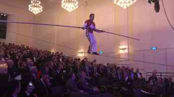 Hochseilartist Freddy Nock am Wirtschaftssymposium im Kultur- und Kongresshaus in Aarau