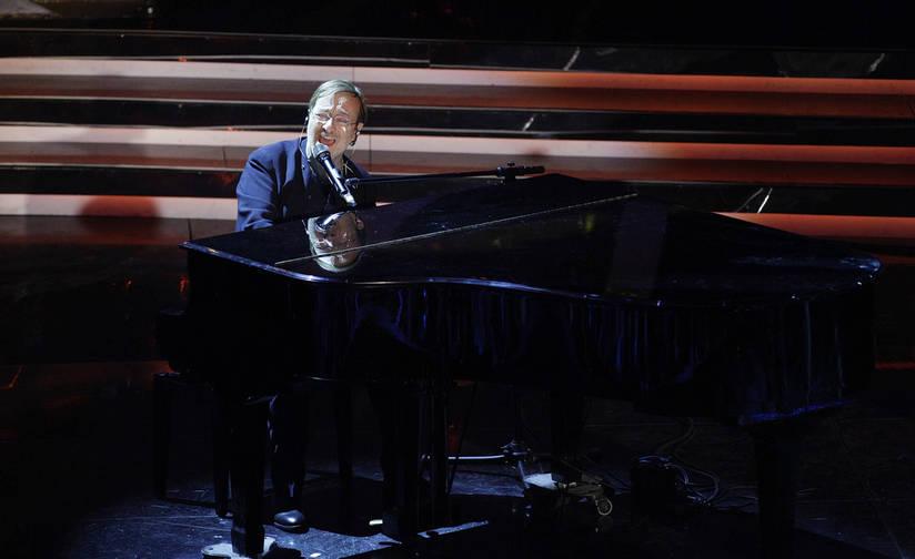 Cantautore Lucio Dalla Erliegt In Montreux Einem Herzinfarkt Musik