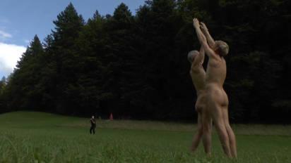 nackt im theater video