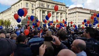 «Ignazio, olé!»: Tessiner ziehen mit blauen und roten Ballonen zum Bundeshaus
