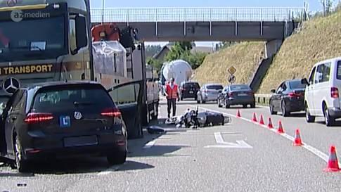 Lernfahrer prallt in Lastwagen: Motorrad-Lenker schwerverletzt