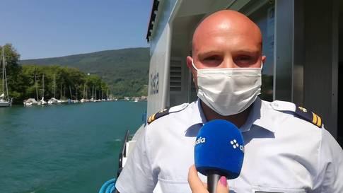 Der Geschäftsführer und ein Schiffsführer der Bielersee-Schifffahrts-Gesellschaft BSG zur Maskenpflicht an Bord