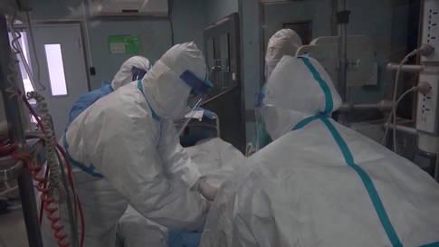 Neue Infektionen: China riegelt Millionenstadt Wuhan ab