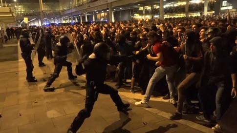 75 Verletzte bei Ausschreitungen in Barcelona