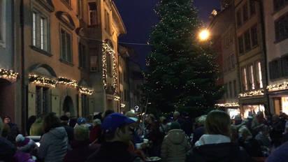 Weihnachtsbeleuchtung Zum Stecken.Die Lenzburger Feierten Am Donnerstagabend Ihre Weihnachtsbeleuchtung