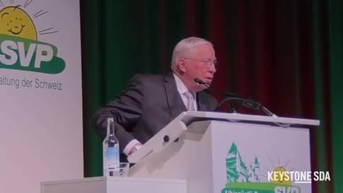 Christoph Blocher amüsiert über Berufe von neugewählten Parlamentariern