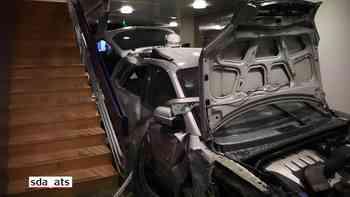 Frau rast mit dem Auto in eine Lausanner Augenklinik