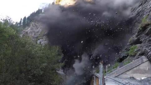 Eindrückliche Bilder: Sprengung in der Viamala-Schlucht