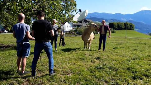 Ruedertaler Sexappeal: Landwirt aus Walde für Bauernkalender 2021 fotografiert