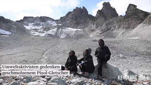 Umweltaktivisten gedenken geschmolzenen Pizol-Gletschers