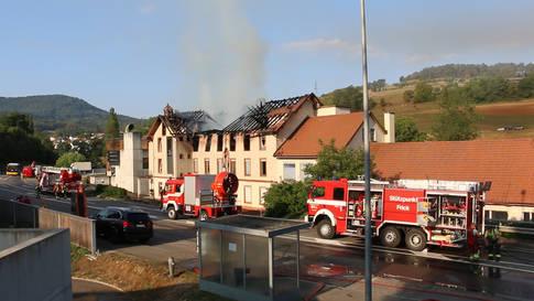 Herznach: Grossbrand in Fabrikgebäude – Feuerwehr findet tote Angestellte
