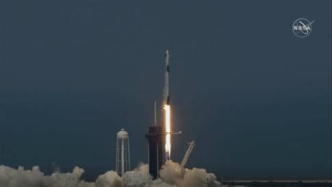 """""""Heldenhafte Tat!"""": SpaceX-Rakete zur ISS unterwegs"""