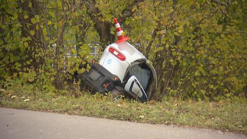 Elgg (ZH): Lenker eines Kleinmotorfahrzeugs tödlich verunfallt