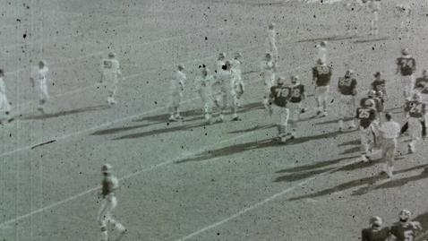 Thumbnail for entry 1967 Georgia vs. Florida, offense 2nd half o/d | athdept_7826