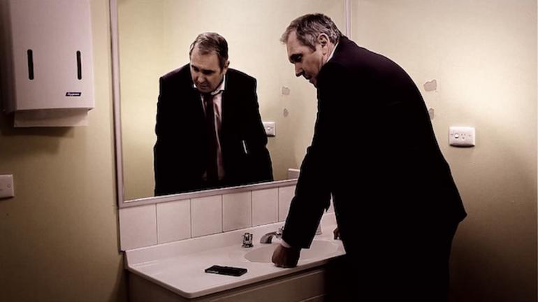 Macbeth (Alan Fletcher) debates whether to assassinate Duncan