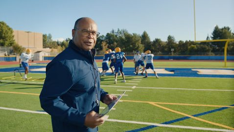 Thumbnail for entry Mike Singletary explains a hybrid cloud approach from the gridiron (Japan)