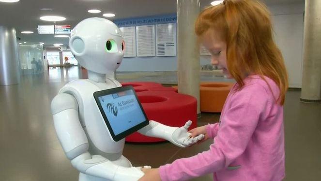 Roboter arbeitet als Rezeptionist in belgischem Krankenhaus - watson