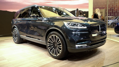 Video Thumbnail For 10 Reasons Why The Lincoln Aviator Demands Attention