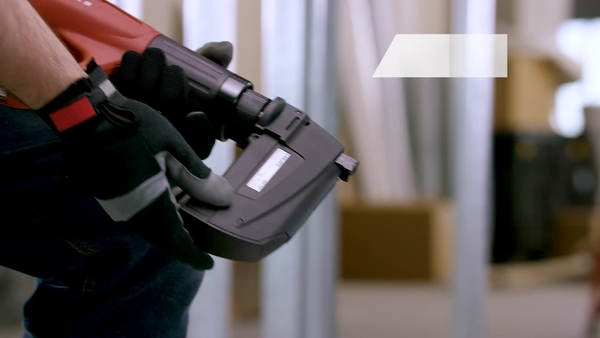 Product video of Hilti's digitally-enabled, fully automatic powder-actuated tool DX 5 in English