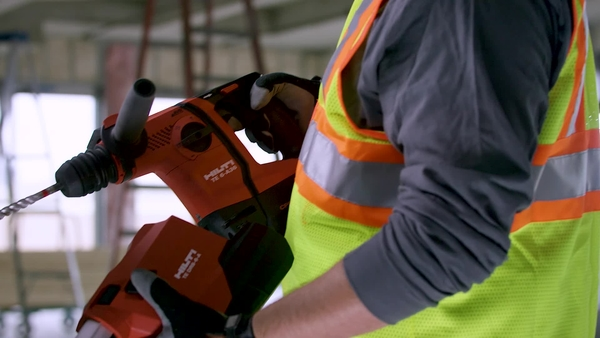 Product video of Hilti's on-board vacuum systems TE DRS-4-A and TE DRS-6-A