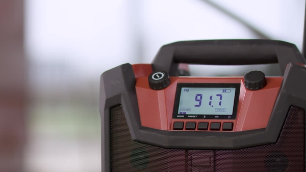 Product video of Hilti's radio charger RC 4/36