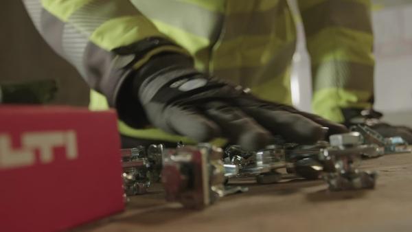 09 promocijski video za požarne gumbe MQN-B kot del kolekcije Next Level Installation.