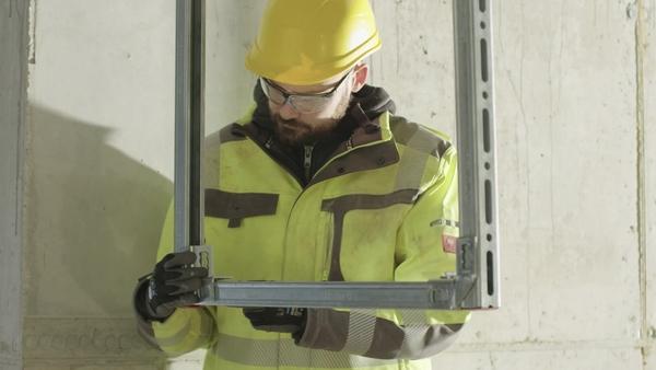 04 PR-video om MQN-C tryckknapp som en del av lanseringen av nästa nivås installation.