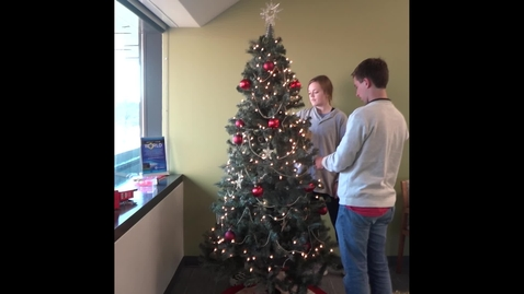 Thumbnail for entry Decorating the Baylor MBA Christmas Tree!