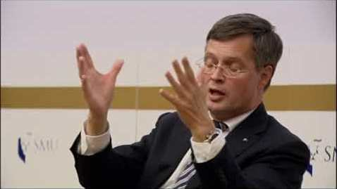 Thumbnail for entry SMU PDLS: Prof Jan Peter Balkenende (Part 2) | Q&A on 11 Sep 2017