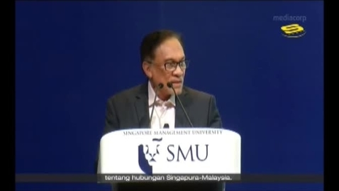 Thumbnail for entry  'It should be me, not you' Anwar on how he felt watching Mahathir being sworn in as PM, Suria (Berita, 8pm), 20 Sept 2018