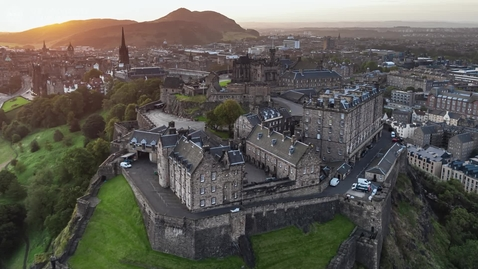 Thumbnail for entry Edinburgh Castle hosts graduation celebrations 2021