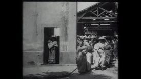Vorschaubild für Eintrag Arbeiter verlassen die Fabrik