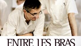 Vorschaubild für Eintrag Entre Les Bras – 3 Sterne. 2 Generationen. 1 Küche