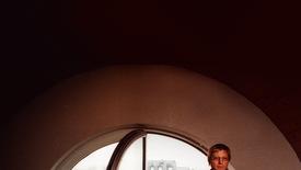 Vorschaubild für Eintrag Der Mann am Fenster