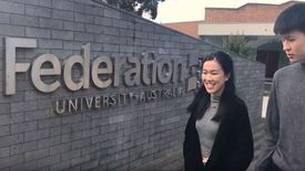 Thumbnail for entry FedUni Business and Commerce student testimonial with Chinese subtitles