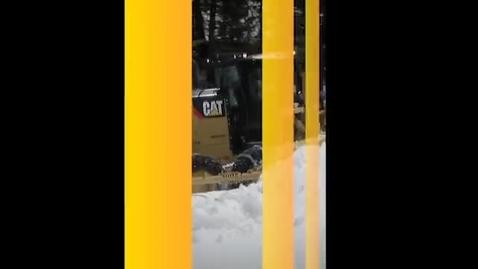 Thumbnail for entry Joysticks de Controle Avançado para Motoniveladoras Cat® Série M