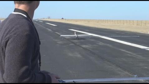 "Thumbnail for entry Aerospace Design: 2009 Team Orange ""Slugger"" - Fence Crash"