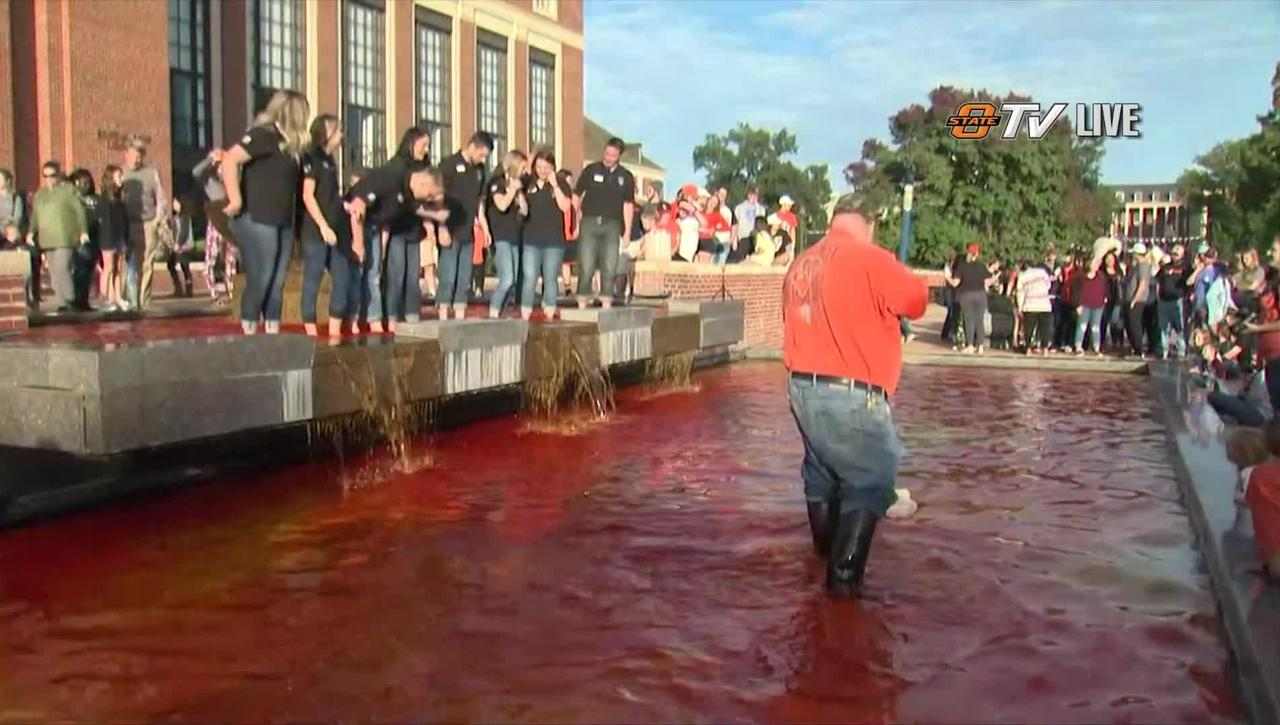 REBROADCAST: 2018 Homecoming Fountain Dyeing