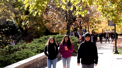 Thumbnail for entry Students enjoy a Fall day on campus