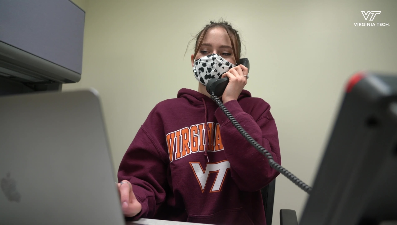 Students answer calls for Virginia Tech's COVID-19 helpline