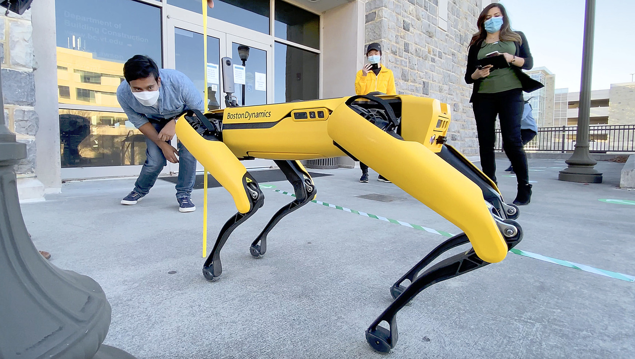 Using robots to monitor construction progress