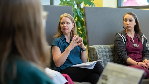 Thumbnail for entry Veterinary social worker assists students on how to communicate with clients