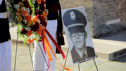 Thumbnail for entry Cenotaph Ceremony recognizes alum's ultimate sacrifice