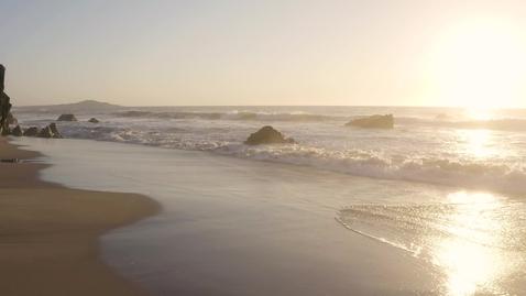 Miniatura para la entrada beautiful-aerial-shot-of-beach-shore-1085
