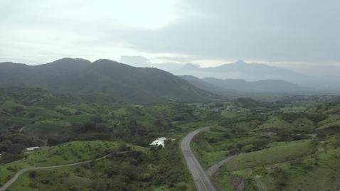 Miniatura para la entrada road-surrounded-by-mountains-2392