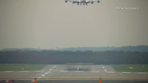 Thumbnail for entry airplane landing in crosswind