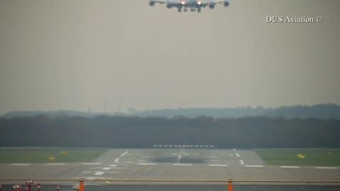 Thumbnail for entry airplane landing in crosswind